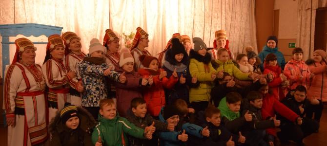 Никольские школьники в гостях у «Эрзяночки»