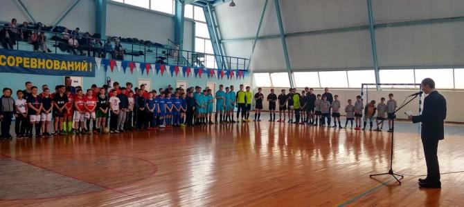 В городе Никольске прошел открытый Кубок Никольского района по мини-футболу «Хрустальный мяч»