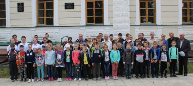 Открытие мемориальной доски в память об участниках Великой Отечественной войны,скончавшихся от ран в Никольском эвакогоспитале