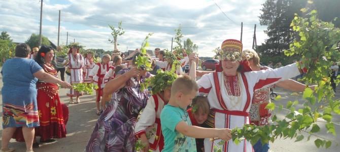 Праздник берёзки в селе Карамалы