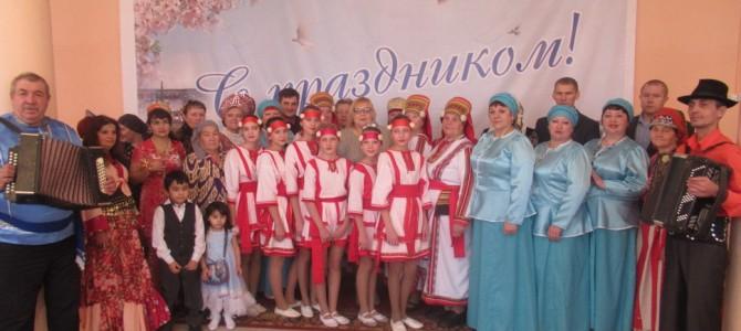 В День народного единства поселения Никольского района приняли участие в выставке декоративно-прикладного творчества