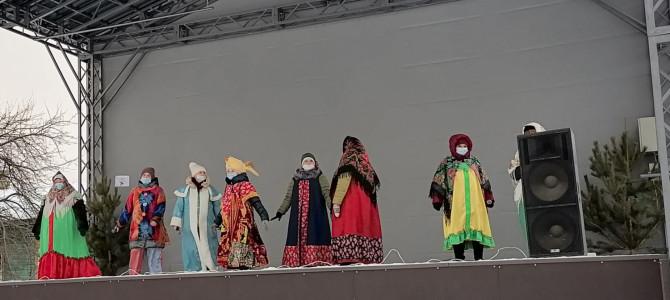 На центральной площади города Никольска прошло мероприятие «В гости коляда пришла»