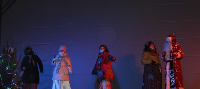 На центральной площади города Никольска состоялось театрализованное представление