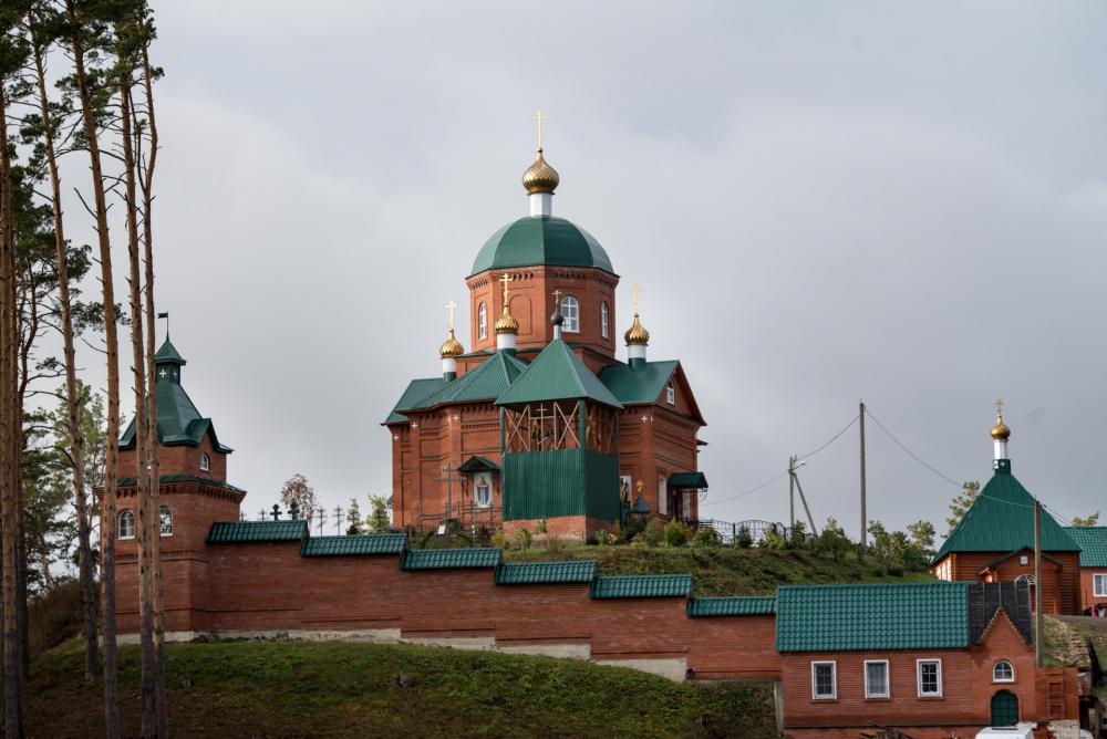 с. Новая Селя, Женский монастырь во имя Покрова Пресвятой Богородицы